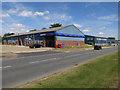 TL6264 : KwikFit, Newmarket by Hugh Venables