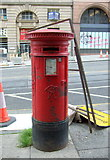 NT2574 : Victorian postbox on South St Andrew Street, Edinburgh by JThomas
