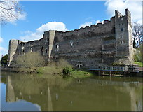 SK7954 : Newark Castle next to the River Trent by Mat Fascione