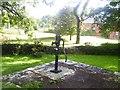 SN0402 : Milton - old village pump by welshbabe