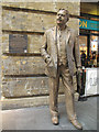 TQ3083 : Statue of Nigel Gresley at Kings Cross station by Stephen Craven