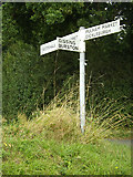 TM1585 : Signpost on Glebe Road by Adrian Cable
