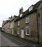 SO8700 : Tetbury Street houses in Minchinhampton by Jaggery