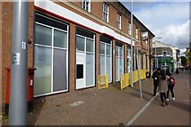 SK5236 : Beeston main Post Office has closed by David Lally