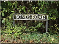 TM1785 : Bonds Road sign by Adrian Cable