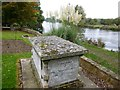 TL2572 : Tomb chest in All Saints churchyard, Hartford, Huntingdon by Richard Humphrey