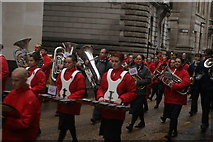 TQ3281 : View of xylophonists and horn players in the Lord Mayor's Parade from Gresham Street by Robert Lamb