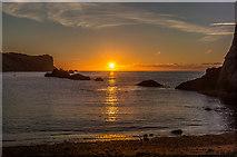 SY8080 : Sunrise at Man o'War Cove by Ian Capper