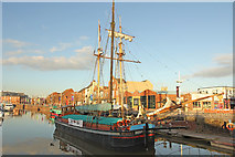 TA0928 : Hull Marina by Richard Croft