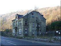 SD9726 : The former Woodman Inn by JThomas