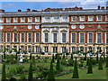 TQ1568 : Hampton Court Palace by Colin Smith