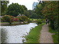 TL0406 : Towpath along the Grand Union Canal in Hemel Hempstead by Mat Fascione