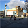 TL0921 : Library and Theatre, St George's Square, Luton by Robin Stott