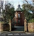 NS2060 : Fernes Villa and Gatepiers by Raibeart MacAoidh
