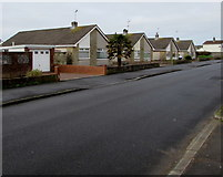 SS8178 : West Park Drive bungalows, Porthcawl by Jaggery