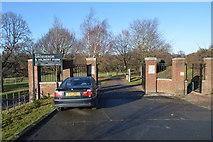 TQ5940 : Grosvenor & Hilbert Park by N Chadwick