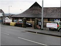 ST3090 : Grace Baptist Assembly banner, Pillmawr Road, Malpas, Newport by Jaggery