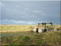 TF3516 : Sluice near Langary Gate by Jonathan Bye