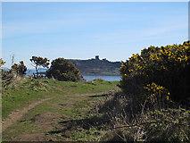 TA0390 : A glimpse of Scarborough Castle by Stephen Craven