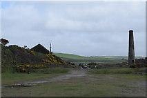SW5842 : Old chimney by Trevor Harris