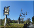 SU6363 : Outside The Red Lion by Des Blenkinsopp