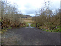 NN3825 : Gate at Crianlarich by Thomas Nugent