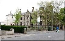 J4873 : The West Wing of the Newtownards Model Primary School, Scrabo Road by Eric Jones