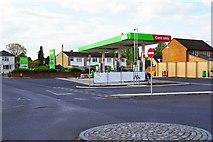 SP2806 : ASDA filling station (2), off Brize Norton Road, Carterton, Oxon by P L Chadwick