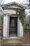 TQ3386 : Monument to Nathaniel Rogers, Abney Park by N Chadwick