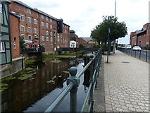 TA2609 : The River Freshney in Grimsby by Mat Fascione