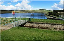 NO2204 : Drumain Reservoir, Lomond Hills by Bill Kasman