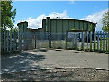 NS4074 : Disused gasometer, Castlegreen, Dumbarton by Lairich Rig