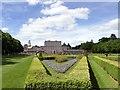 SU9084 : The parterre garden at Cliveden by Graham Hogg