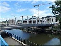 ST7365 : The Destructor Bridge over the River Avon in Bath by Richard Humphrey