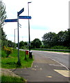 SO1409 : Path and cycleway signpost alongside the A4048, Tredegar by Jaggery