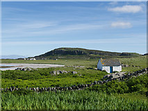 NR3587 : On the west coast of Oronsay by Julian Paren