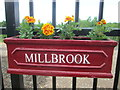 TL0040 : Floral display, Millbrook station by Peter S