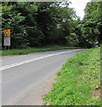 ST9898 : Oncoming vehicles in middle of road warning sign north of Kemble by Jaggery