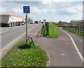 ST2938 : End of cycle route sign, Western Way, Bridgwater by Jaggery