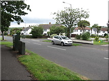 J4792 : The Lumford Avenue junction on Ransevyn Drive by Eric Jones