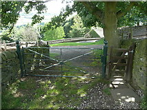 SE0424 : Gate on Sowerby Bridge FP38 at Throstle Nest, Luddendenfoot by Humphrey Bolton