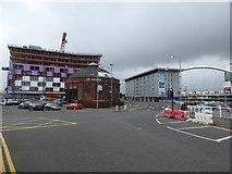 NS5765 : Finnieston Quay, La Rotunda and Hilton hotel by David Smith