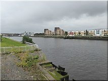 NS5764 : River Clyde and The Quay development  by David Smith