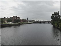 NS5964 : River Clyde and Victoria Bridge by David Smith