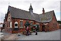 SE7136 : Jug & Bottle on Main Street, Bubwith by Ian S
