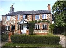 SU8499 : Cottage on Chapel Hill, Speen by David Howard