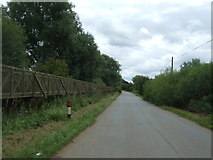 TL4279 : The Causeway, Sutton Gault by JThomas