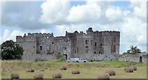 SN0403 : Carew Castle by PAUL FARMER