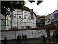 TQ3280 : Globe Theatre by Paul Gillett