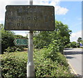 ST6982 : Grimy distances sign, Yate Road, Yate by Jaggery